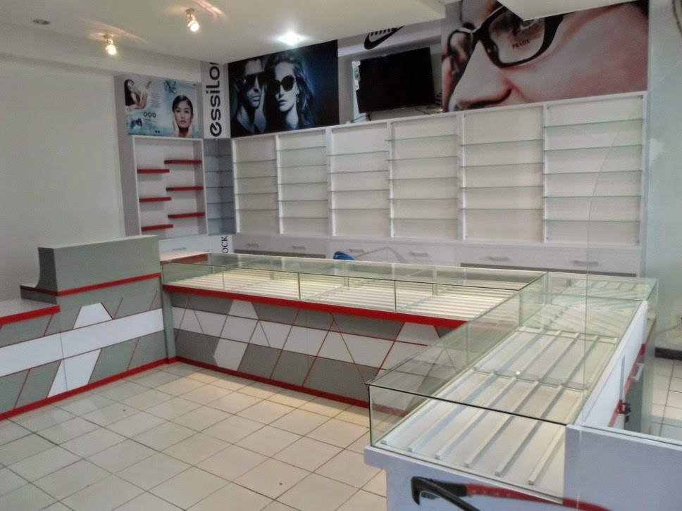 Etalase Kaca Untuk toko Optik - Semarang