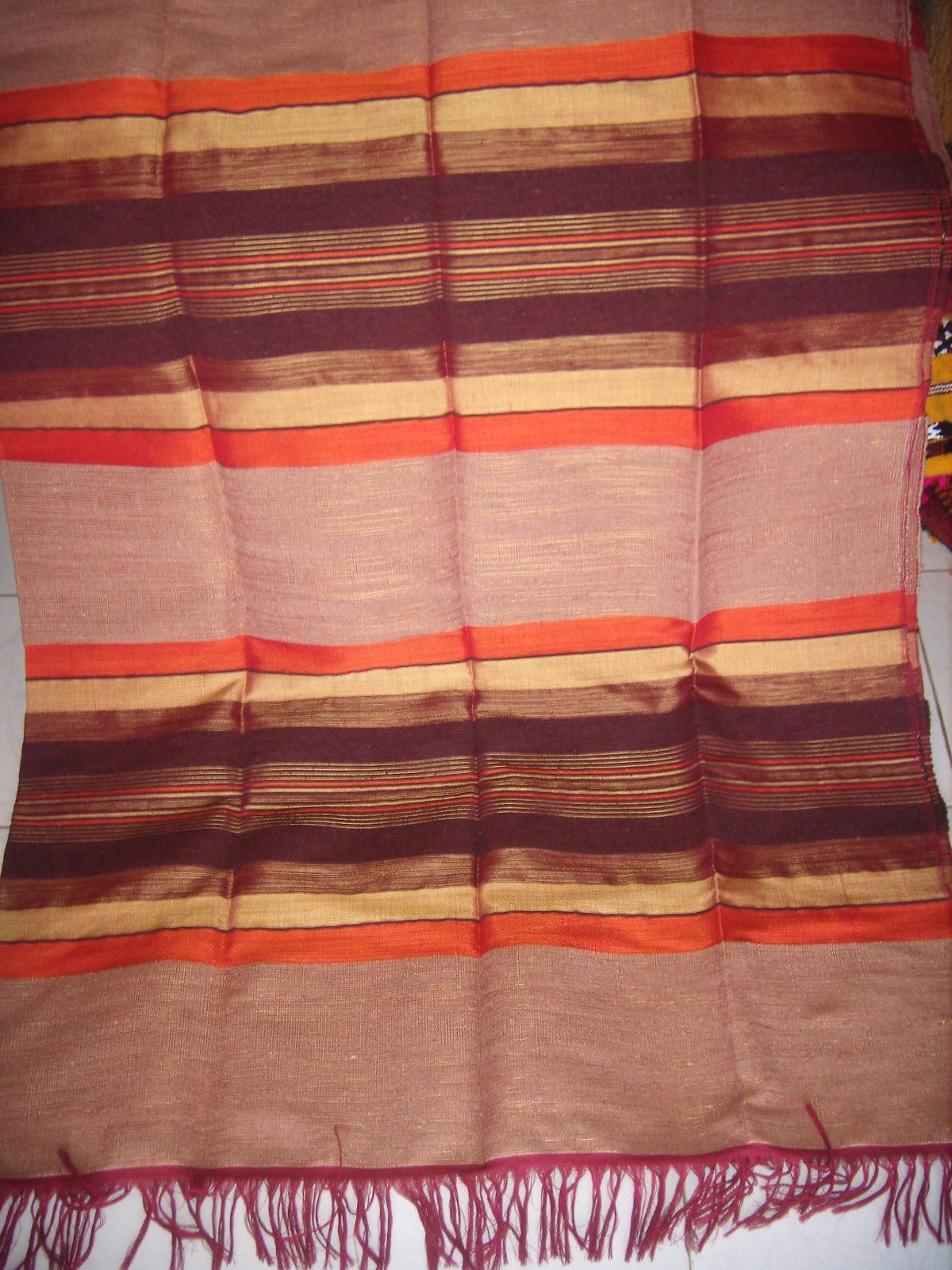 merycarpet couvre lit ou jet de canap avec des bandes color es. Black Bedroom Furniture Sets. Home Design Ideas