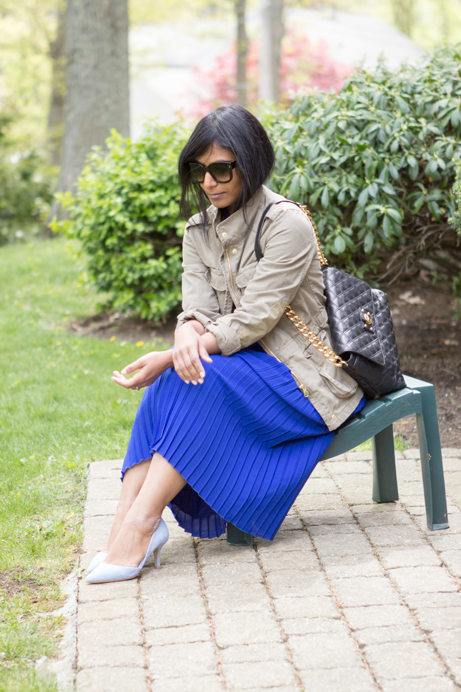 midiskirt, pleated skirt, royal blue, blue pumps, sole society, how-to, styling tips, j.crew style, utility jacket, cargo jacket, mommy style, petite fashion, lookbook