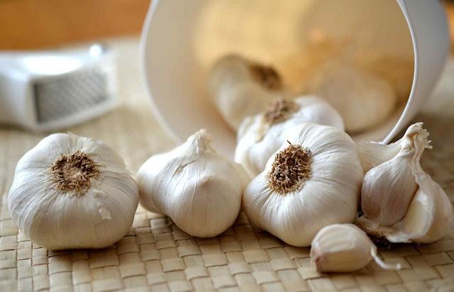 23 Food To Lower Cholesterol Naturally - Garlic