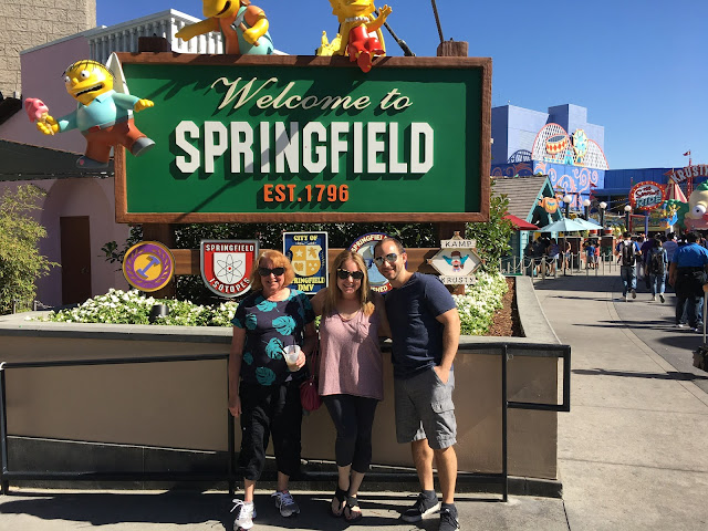 Universal Studios Hollywood, Los Angeles, Springfield, Simpsons Land, Jamie Allison Sanders, Rory Sanders, Evan Sanders, Sanders family