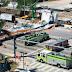 Τουλάχιστον τέσσερις νεκροί από την κατάρρευση πεζογέφυρας σε αυτοκινητόδρομο στο Μαϊάμι (Video/Photo)
