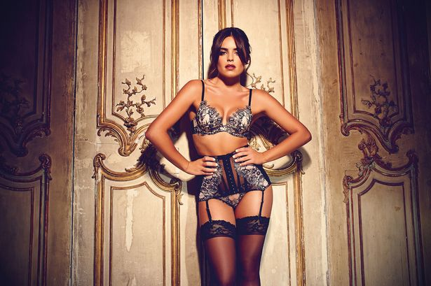 Olympia-Valace-models-for-Gossard (3)