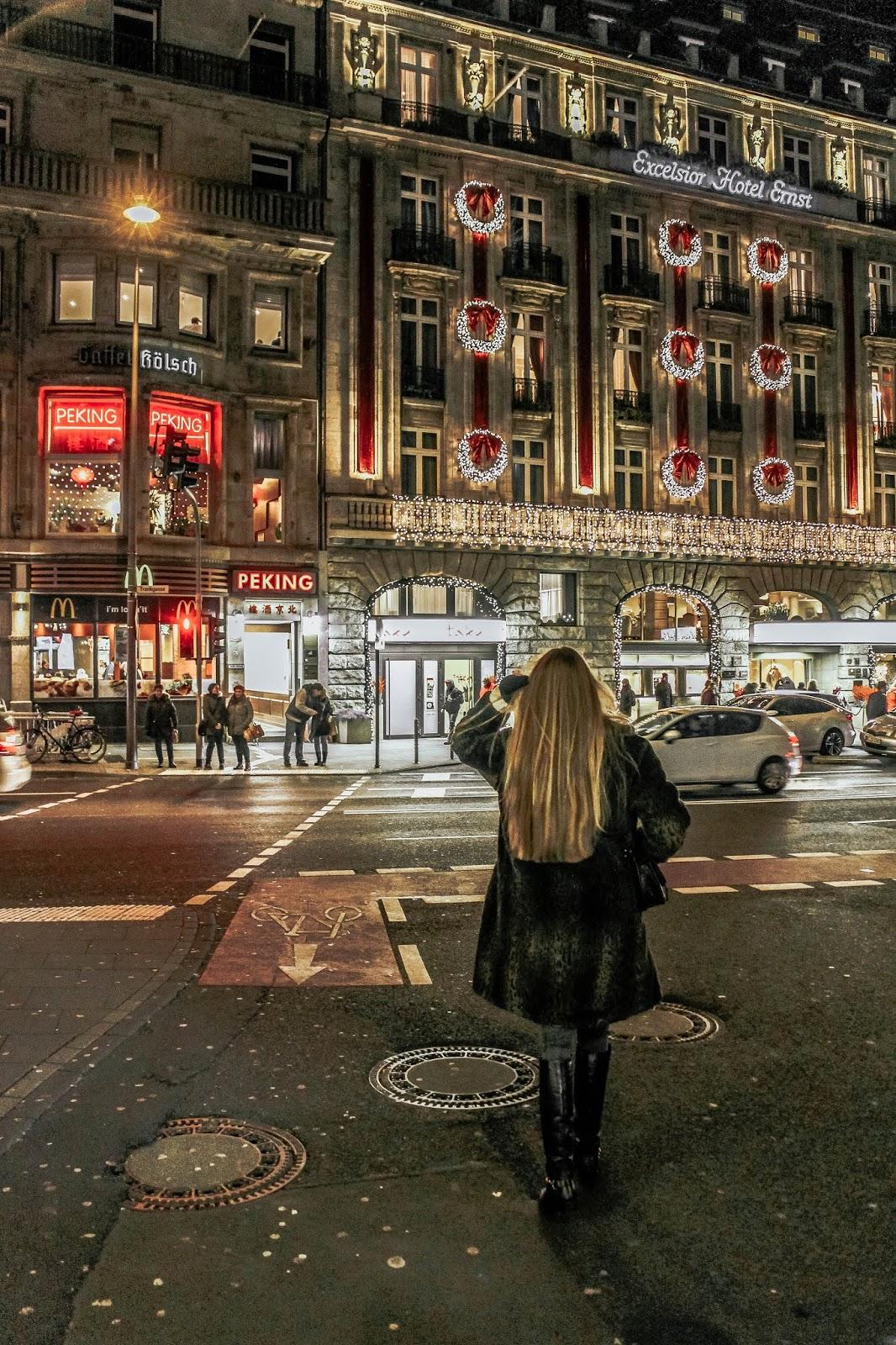 Luxury Hotel Excelsior Ernst By Night