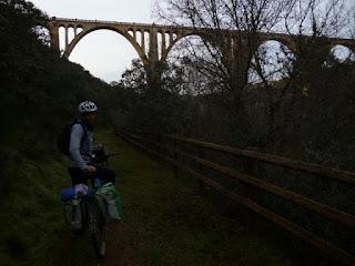 Viaducto sobre el río Guadalupejo