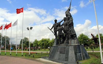 7 Figürlü Milli Kurtuluş Anıtı