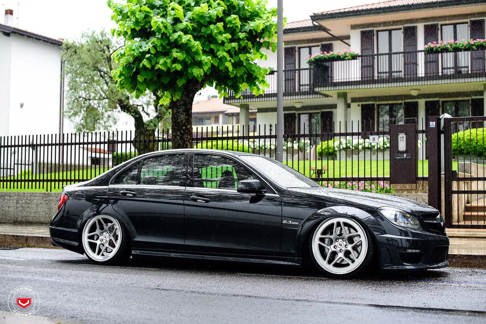mercedes benz w204 c63 amg on vossen lc 104 benztuning. Black Bedroom Furniture Sets. Home Design Ideas