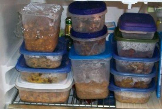 ushqime të paketuara në frigorifer