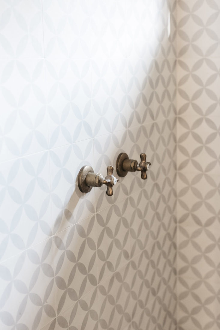 Detail of beautiful ceramic tile shower walls in oceanfront cottage on Maui - found on Hello Lovely Studio
