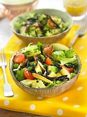 Ensalada con palta y tomates