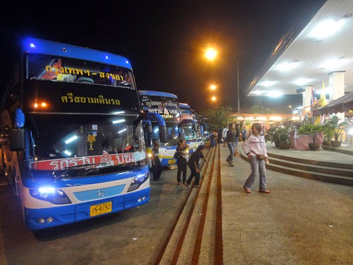 bus trips to south Thailand usually is in the night