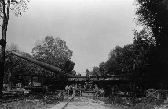 Cañón alemán que se movía sobre raíles usado por primera vez en Verdun