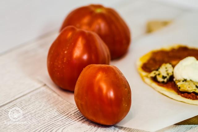 italienisches Fladenbrot gefüllt mit Pesto Rosso und Hähnchen - Foodblog Topfgartenwelt