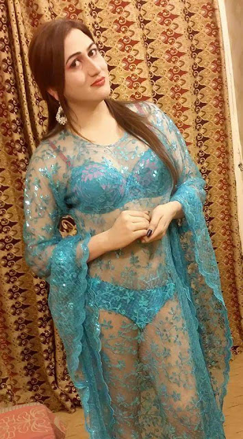 Sheeza Khan Pic in Transparent Dress