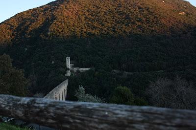 Il ponte di Spoleto visto dall'alto