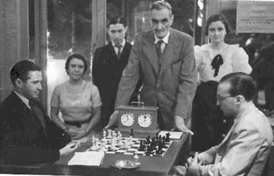 Partida de ajedrez Silberman - Rafael Llorens