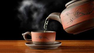 manfaat minum air hangat untuk diet