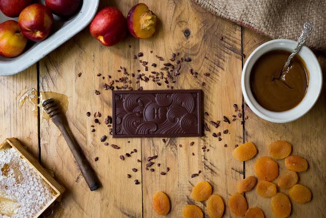 hop-dung-socola-hogarth-chocolate