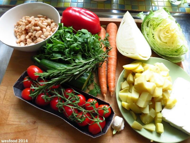 wesfood salat mit ger steten kartoffeln wei en bohnen und rucola butter. Black Bedroom Furniture Sets. Home Design Ideas