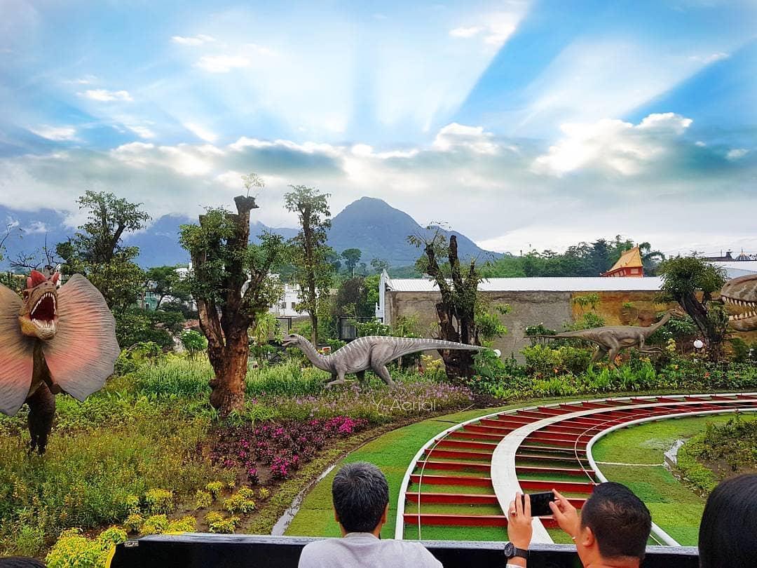 Jawa Timur Park 3 Dino Park Dheeva Wisata Blitar