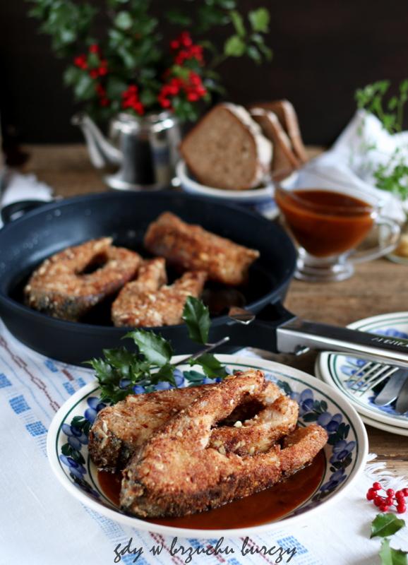 Ryba w panierce z sosem