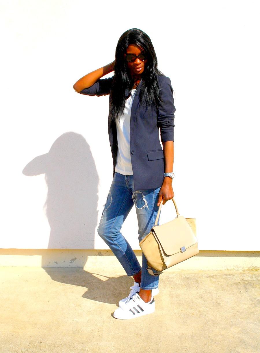 look-du-jour-adidas-supestar-sac-celine-trapeze-jeans-dechire-zara-blazer-mango