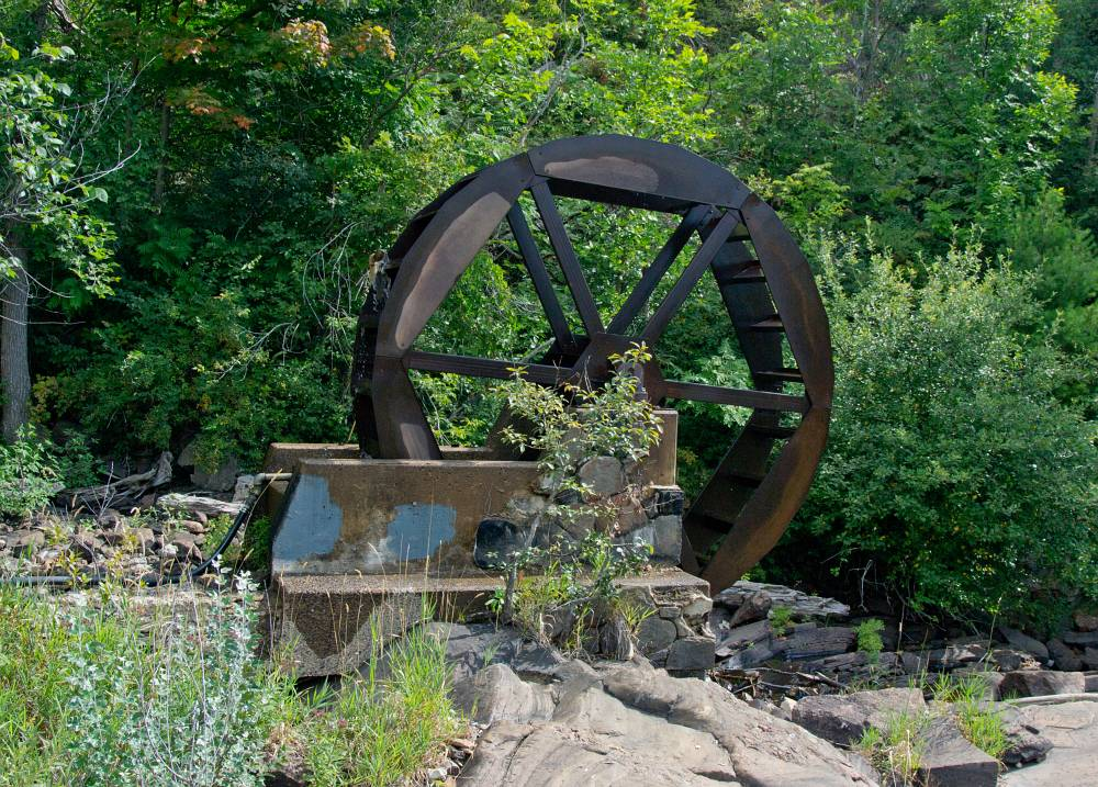 The water wheel in Bracebridge park.