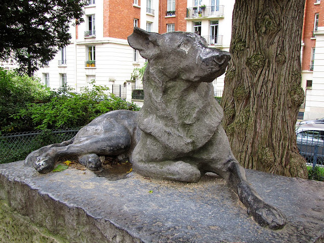 Le Chien, The Dog by René Paris, Square Saint-Lambert, Paris