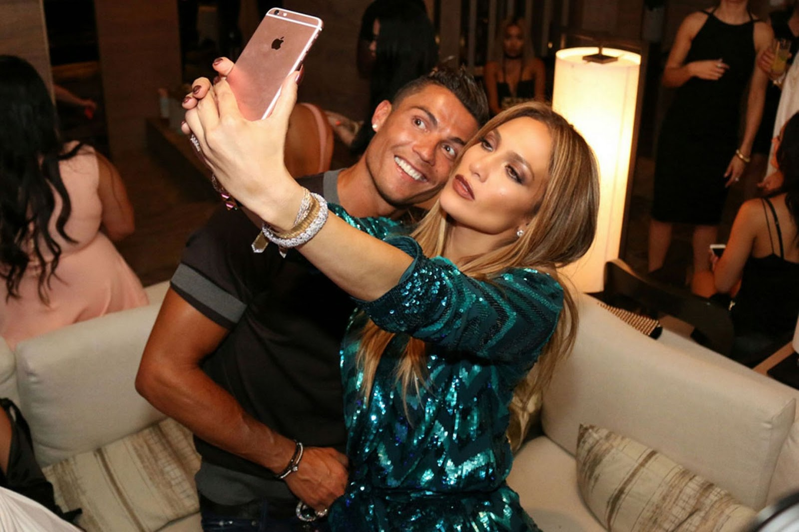 Falling In Love Cristiano Ronaldo Parties With J Lo