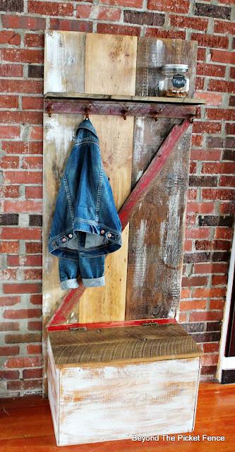 barn door, build it, hall tree, slavaged, rust, coat hook, http://bec4-beyondthepicketfence.blogspot.com/2016/04/barn-door-hall-tree.html
