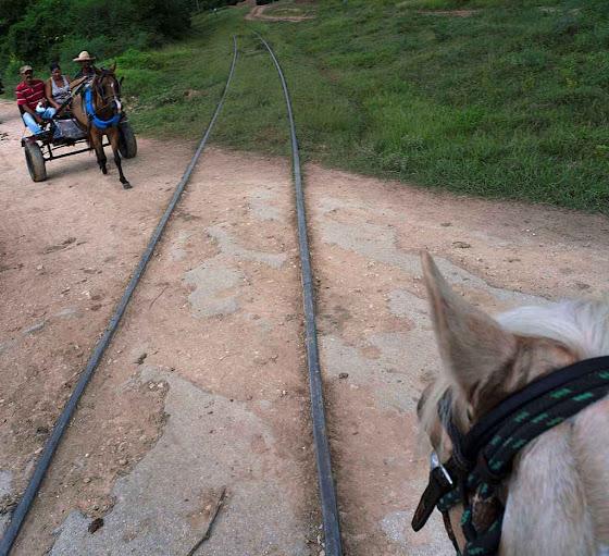 Conduzir um trem exige muita habilidade, quando funciona.