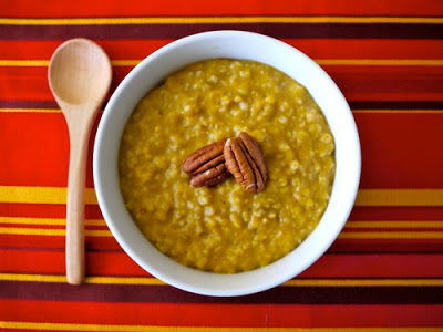 Slow Cooker Pumpkin Spice Oatmeal from Weelicious found on SlowCookerFromScratch.com