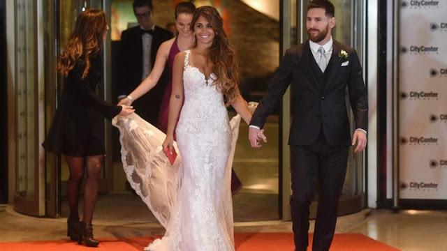 """Este es el """"miserable regalo"""" que recibió Messi de los invitados a su boda"""