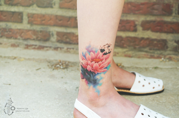 Watercolor Lotus Flower Tattoos For Girls