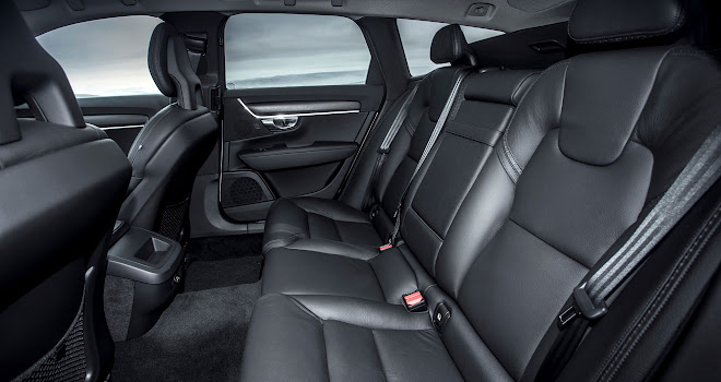 Volvo V90 Cross Country rear seats