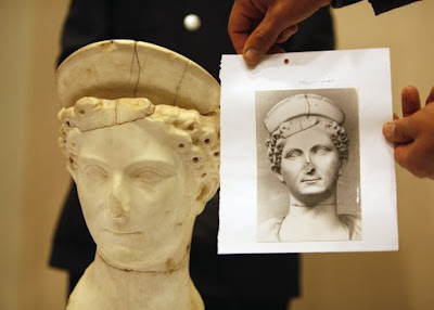 Italy has returned to Libya the head of a 2.000 year-old statue
