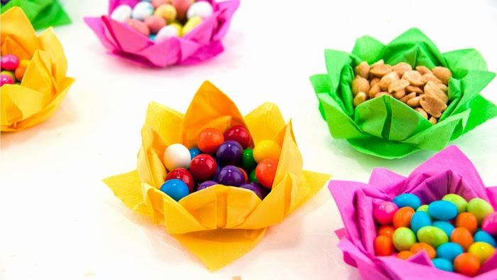 Origami Maniacs: Paper Napkin Flowers