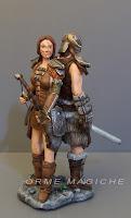 statuina ragazza eroina fantasy guerriera con arco statuette film rievocazione storica orme magiche