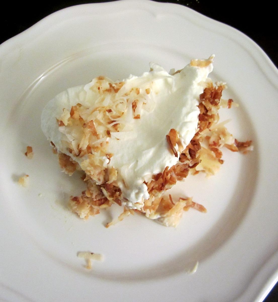 Reviews, Chews  How-Tos Coconut Lovers Banana Cream Pie-2846
