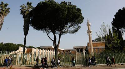 Undang-Undang Anti-Masjid Lolos di Italia Utara