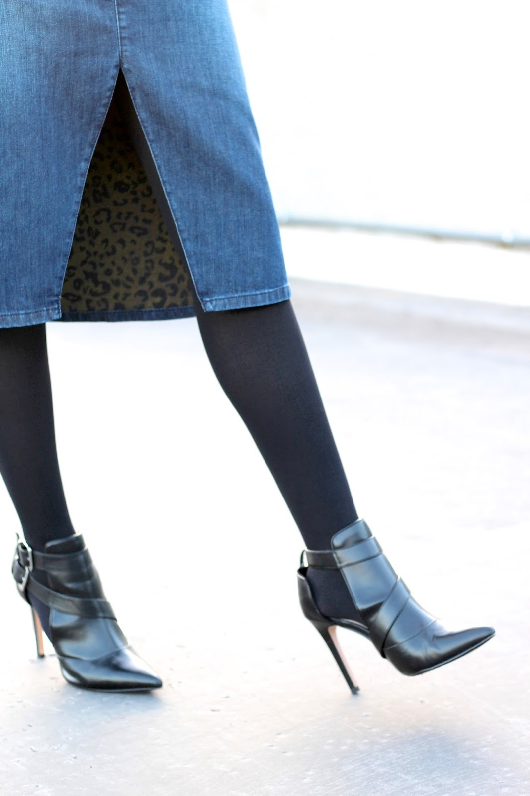 Zara black pointed cut out boots