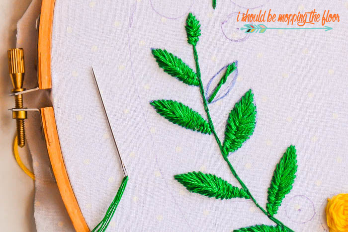 How to Embroider Leaves the Easy Way | i should be mopping the floor