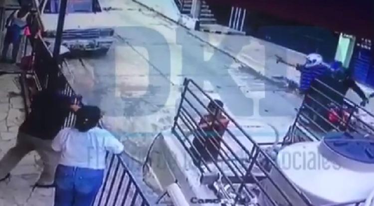 """VIDEO: """"Motosicarios"""" son grabados durante ejecución del periodista Mario Gómez"""