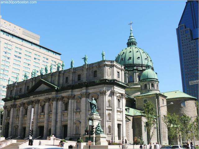 Cathédrale Marie-Reine-du-Monde en Montreal