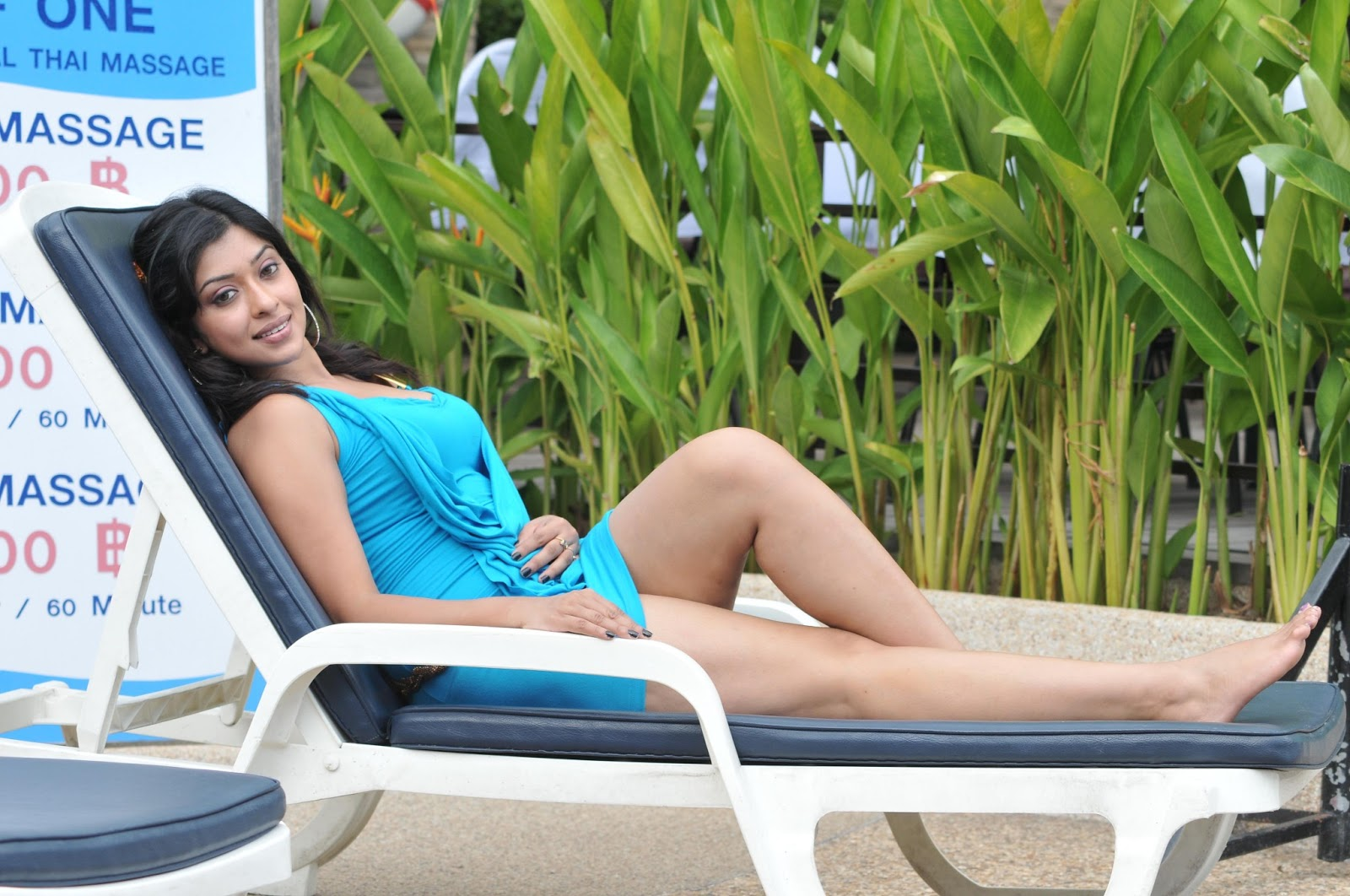 Payal ghosh hot in photo shoot