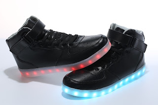 https://www.flashshoes.com/collections/led-shoes/products/a01-led-shoes-high-top-black?variant=22657068423