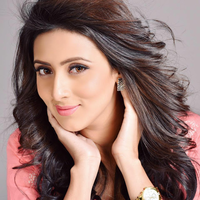 Bidya Sinha Saha Model New Sexy Face Looking