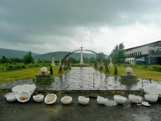 Чинадиево. Памятник Мечу