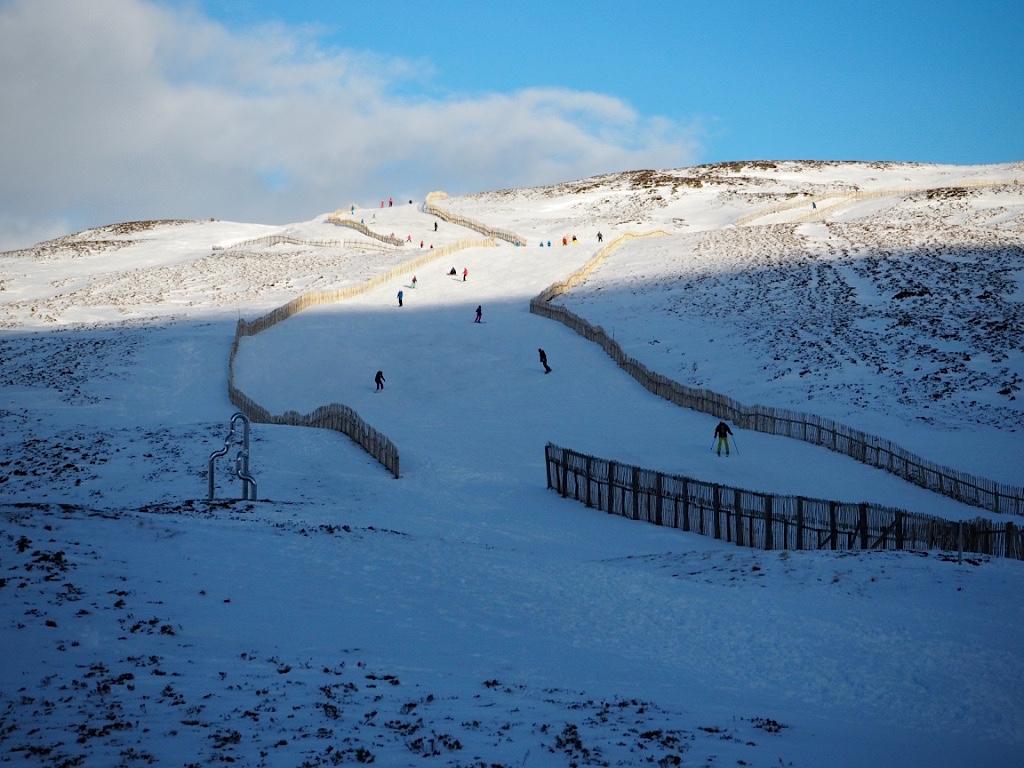 cairnorms skiing scotland