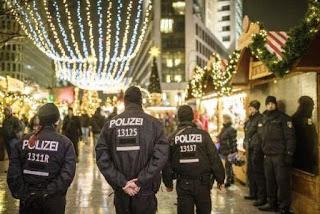 Los sospechosos que fueron detenidos por hdp en alemania en un centro comercial